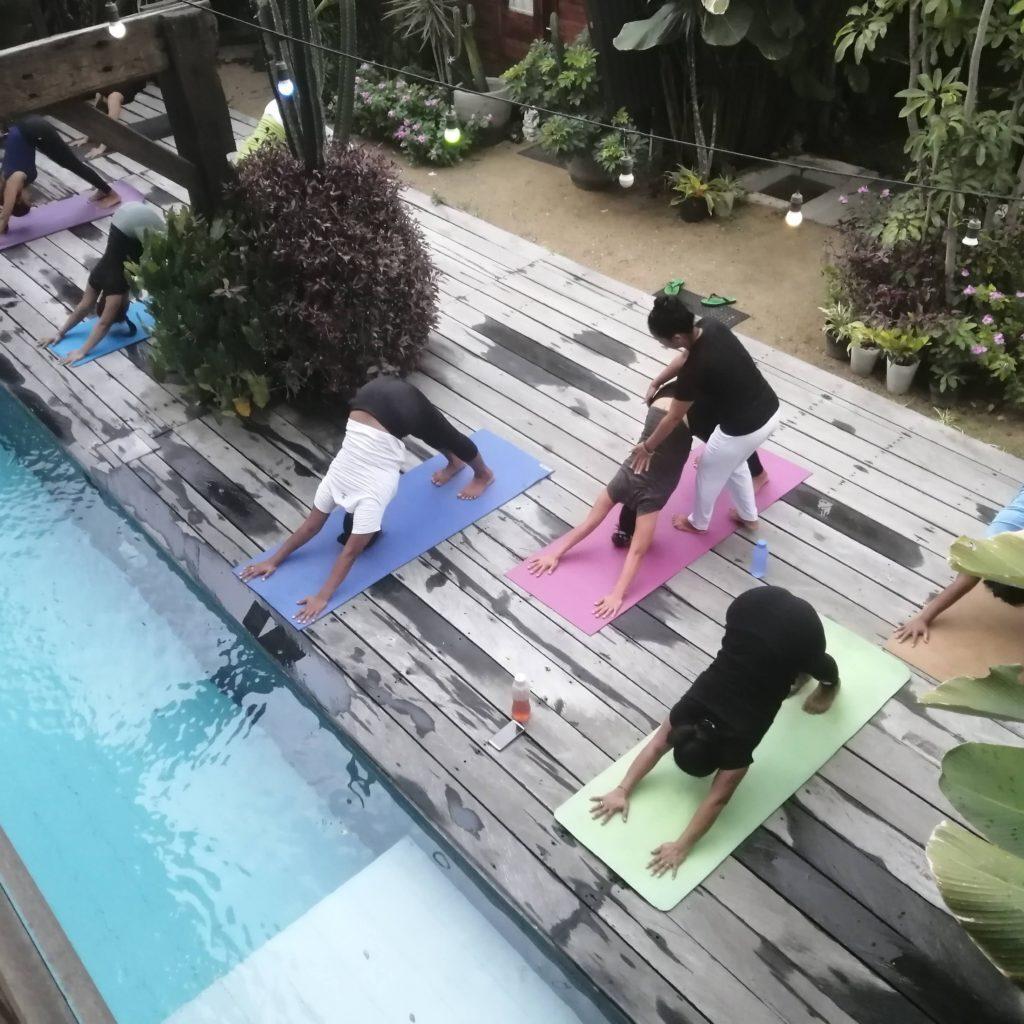 free zoom-yoga class